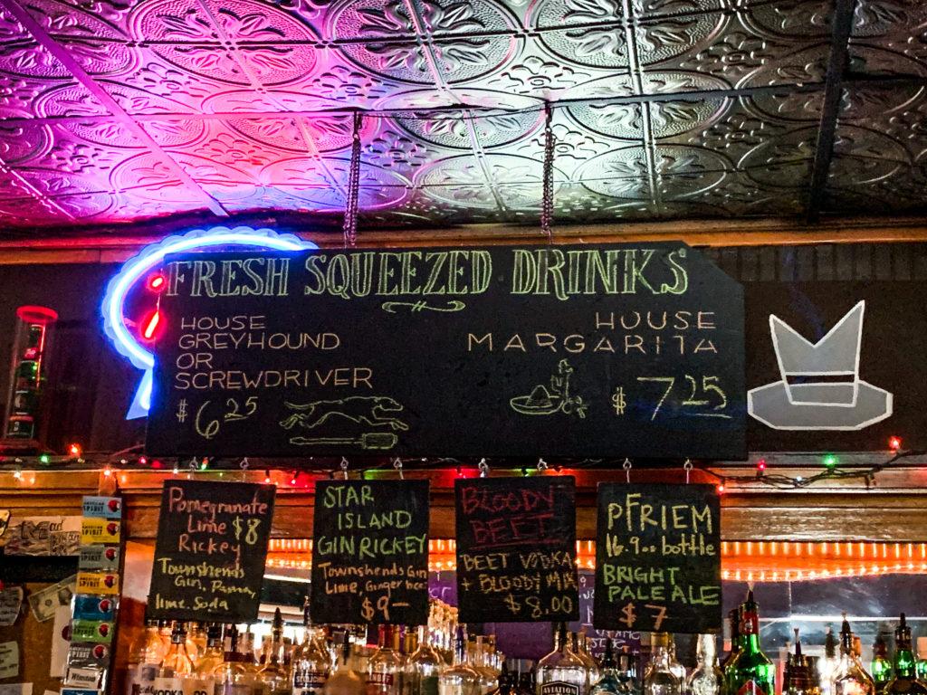 Mad Hanna Portland Dive Bars Photos by Steven Shomler