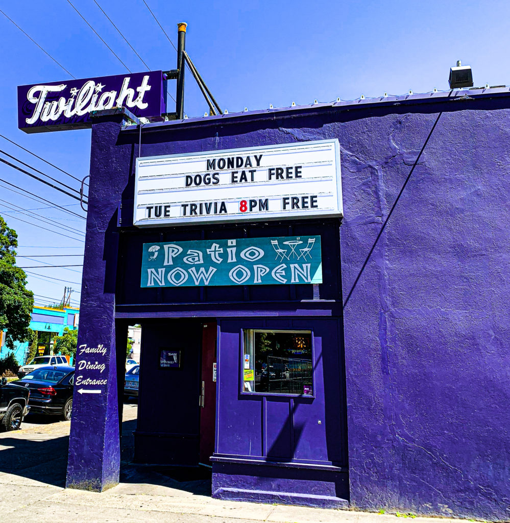 The Twilight Room Portland Dive Bars Photos by Steven Shomler