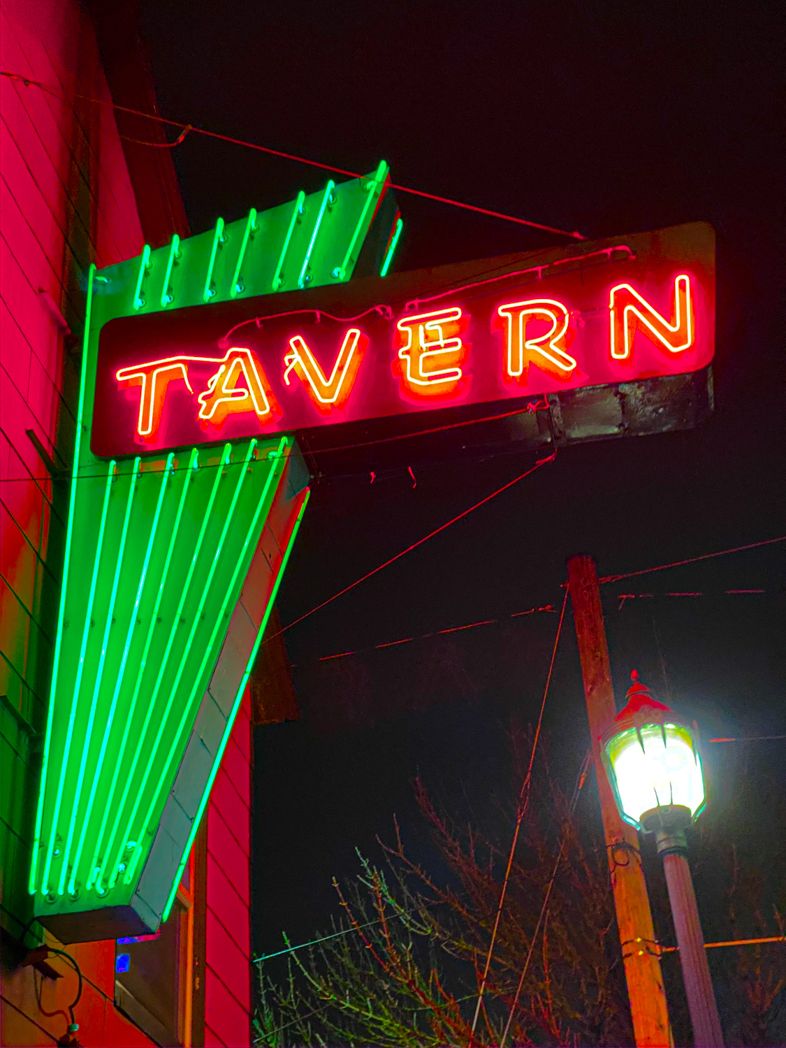 Billy Ray's Dive Bar Portland Dive Bars Words by Karyn Shomler Photos by Steven Shomler